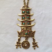 D&E Juliana Pagoda Pendant BOOK PIECE!