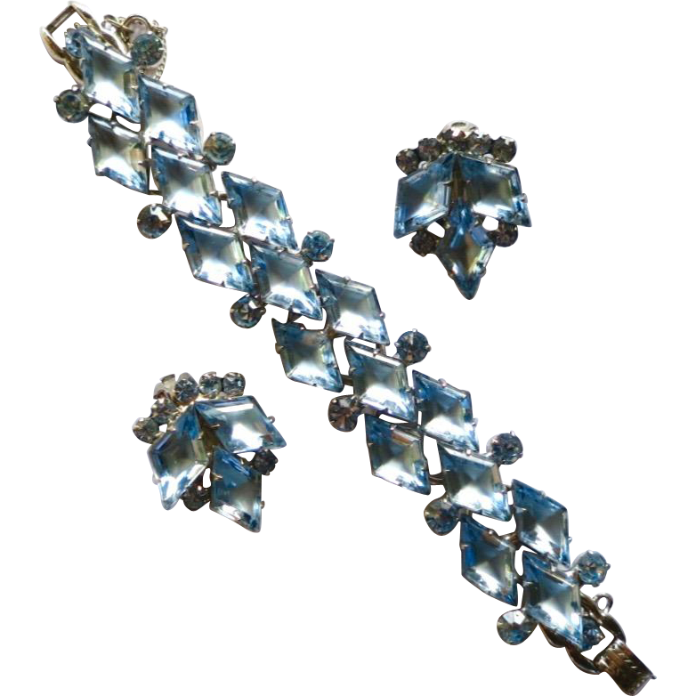 D&E Juliana Frosted Blue Diamond Shaped Rhinestone Bracelet Earrings Set