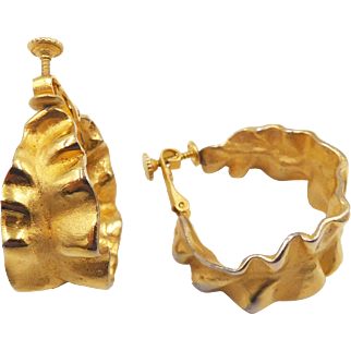 Vintage Les Bernard Fluted Gold Tone Hoop Clip Earrings