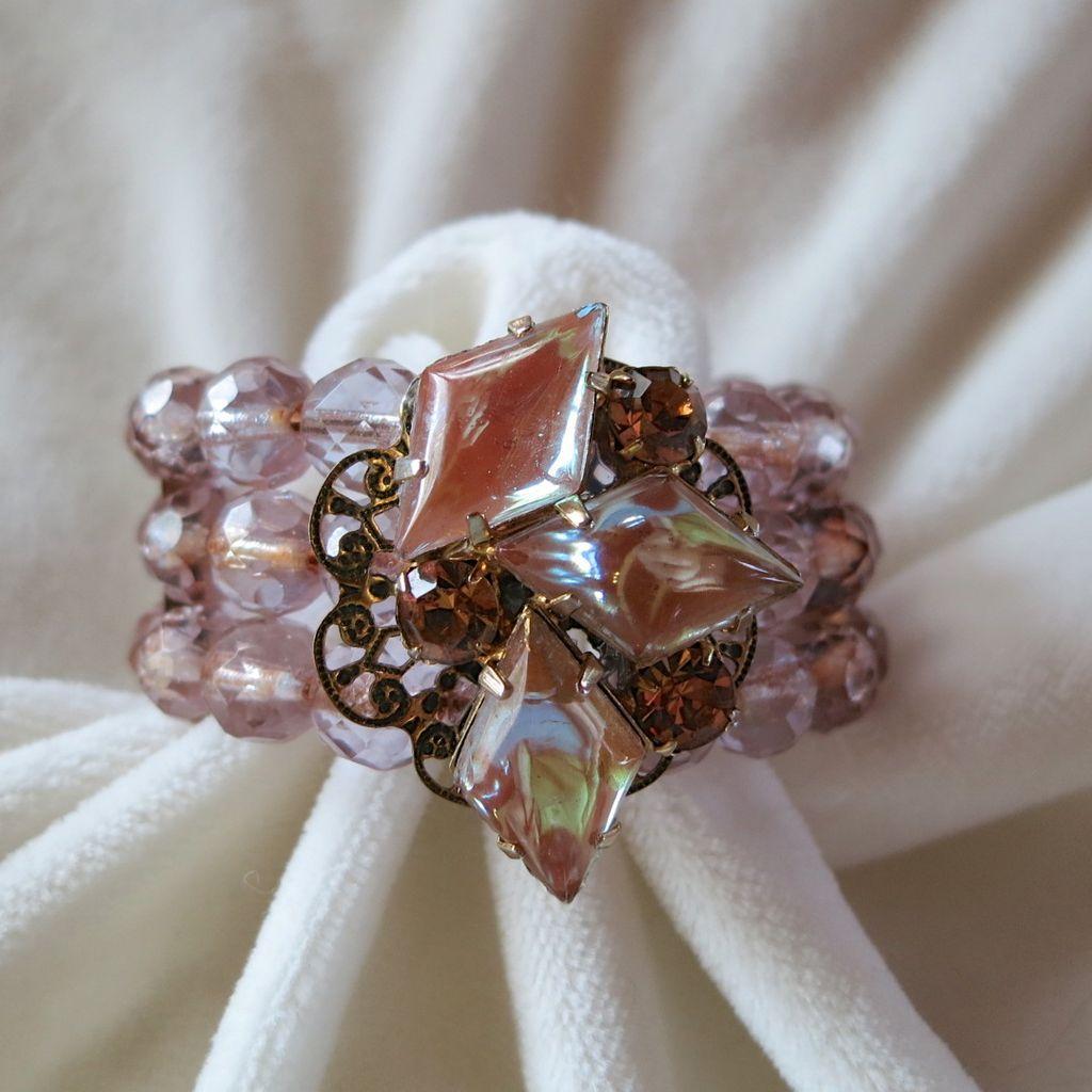 Saphiret Coil Memory Wire Crystal Bracelet