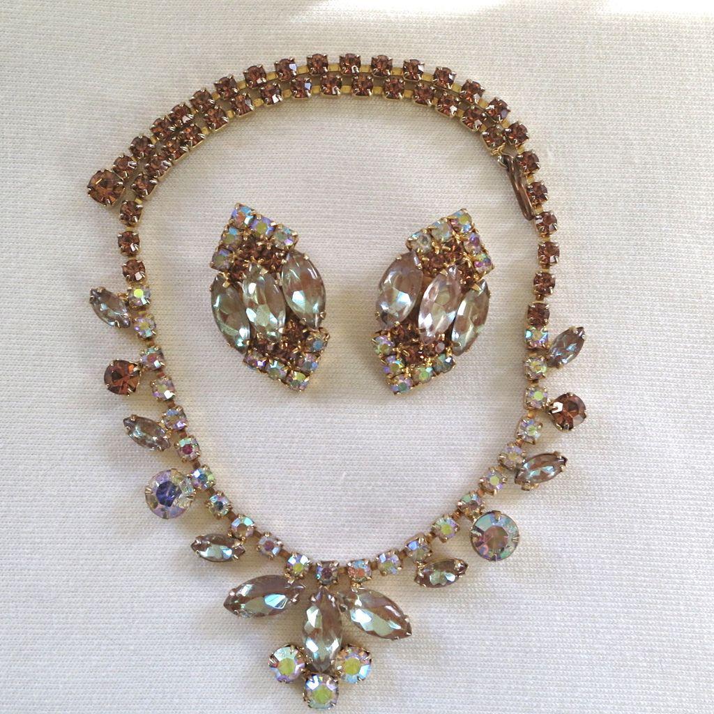 1950's Saphiret, topaz and AB rhinestone necklace set