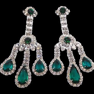Vintage Weiss Emerald Green Clear Rhinestone Chandelier Clip Earrings