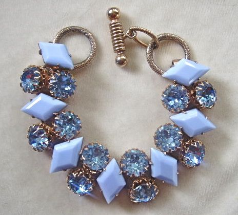 Brilliant blue rhinestone and blue opaque milkglass link bracelet
