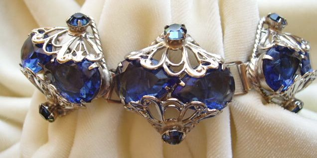 Chunky Montana blue pear shaped rhinestone bracelet