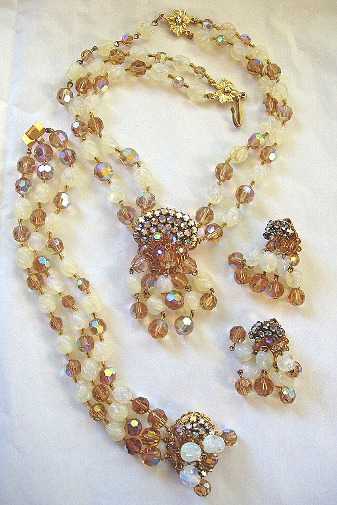 Austrian crystal, glass beads, and rhinestone necklace bracelet earrings set DeMario style!