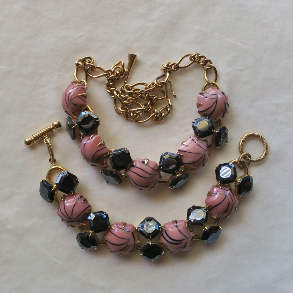 Chunky pink & black glass cabochons necklace & bracelet