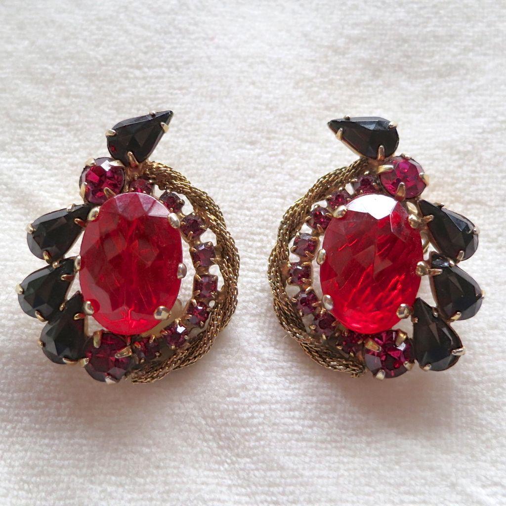Vintage Red & pink rhinestone clip earrings