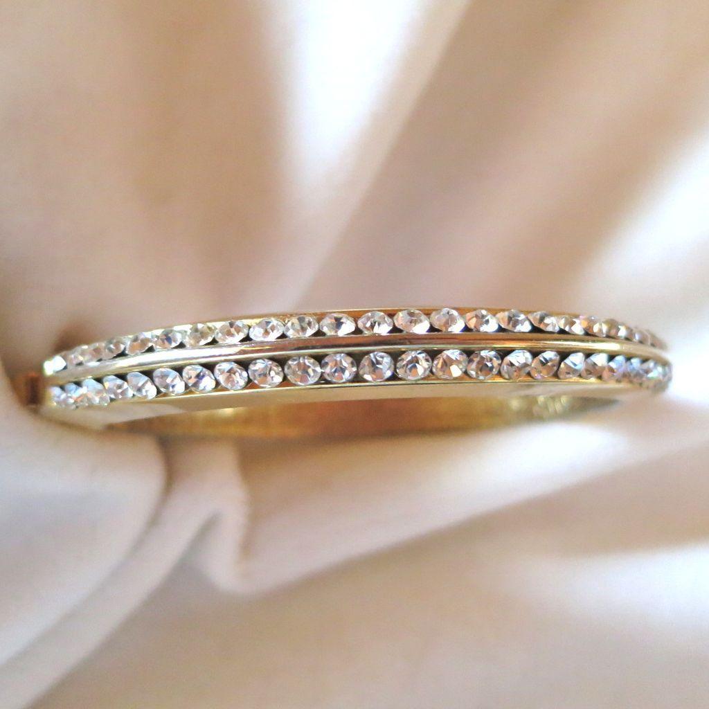 Rhinestone hinged bangle bracelet