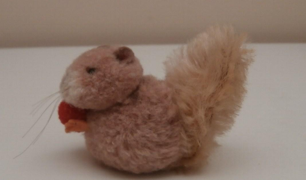 Sweet Steiff Woolen Squirrel, 1959 to 1964, No id's