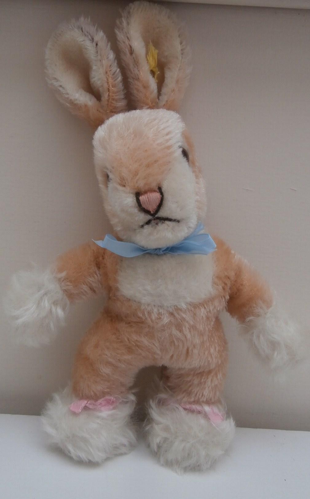 Steiff Sassy Bunny Rabbit, 1965 to 1970, Steiff Button