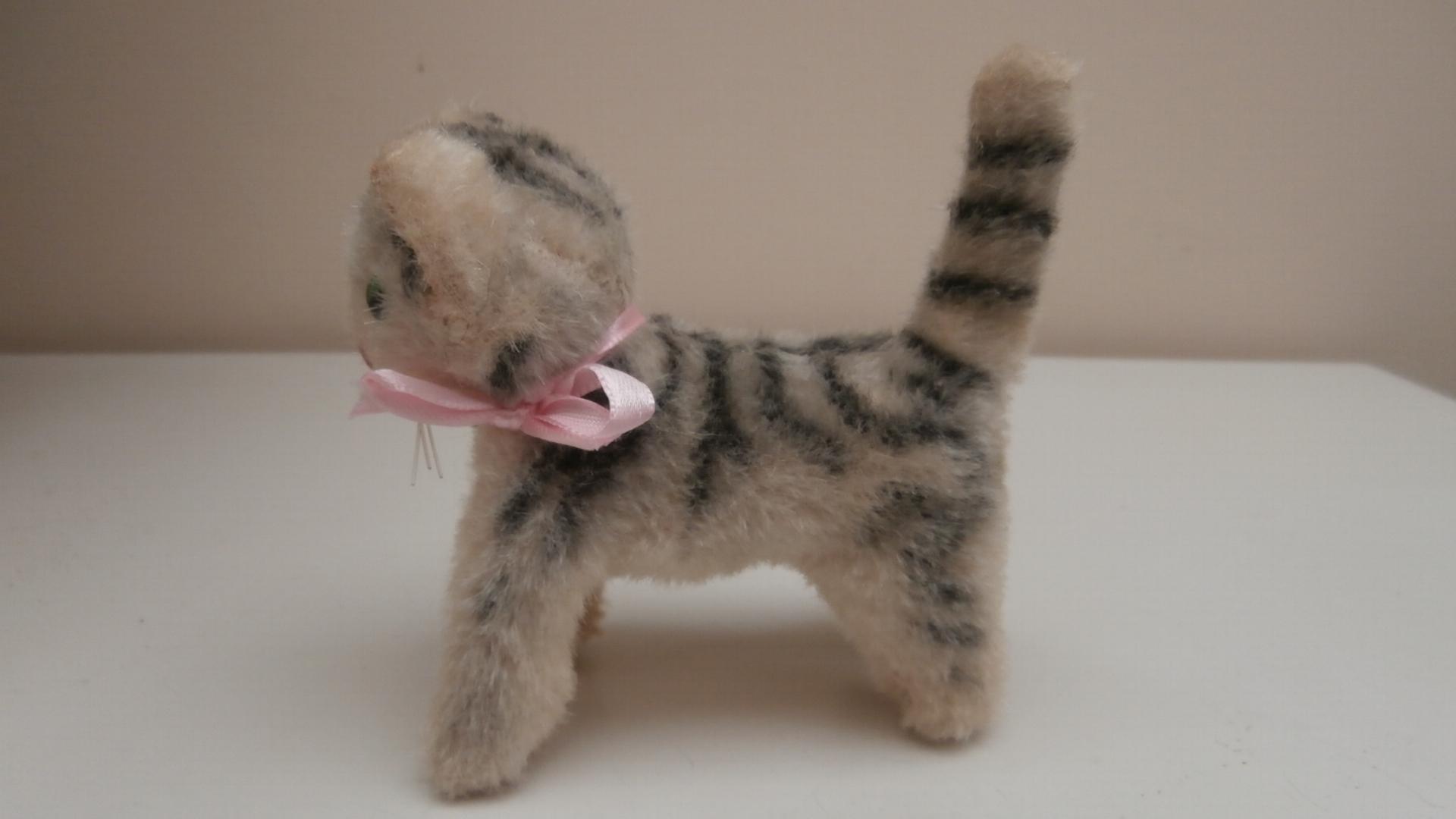 German Pussy Cat 100