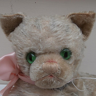 Tilly, Vintage Lying Pussy Cat, English, Possibly Farnell