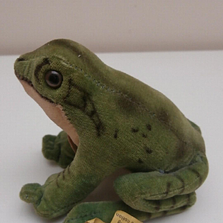 Steiff Froggy Frog, 1969 to 1975. Steiff Button, Flag and Chest Tag