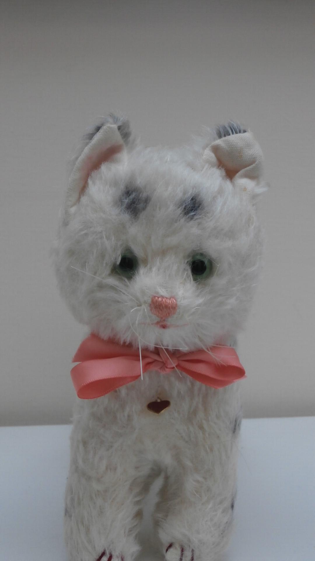 Gorgeous Vintage Austrian  Berg Pussy Cat with original label