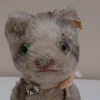 Cute Small Steiff Kitty Cat, Fully Jointed, Steiff Button, 1958 to 1964