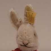 Smallest Size Steiff Niki Rabbit, 1959 to 1964, Steiff Button