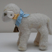 Sweet Steiff Lamby Lamb, 1968 to 1976, Steiff Chest Tag and Button