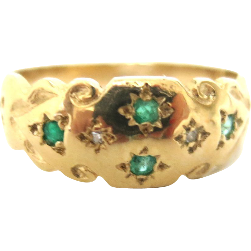 Delightful Victorian 18K Emerald & Diamond Ring