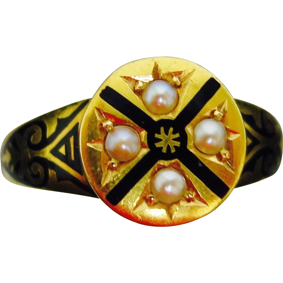 Handsome Classic Victorian Memorial Ring