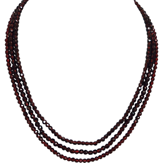 Garnets Galore--Lovely Victorian Necklace