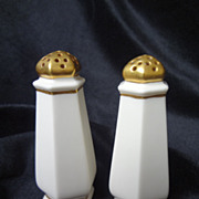 Lenox American Belleek salt & pepper shakers