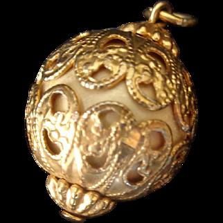 Vintage Art Deco Goldtone Filigree Bijou Pendant