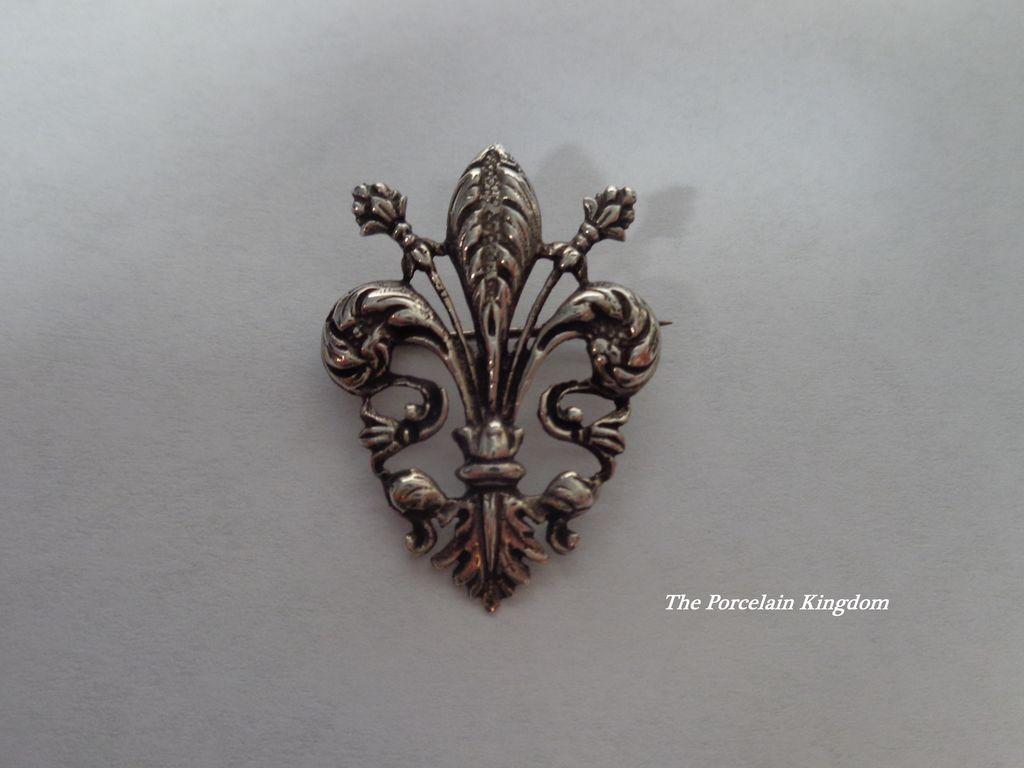 Continental Silver Fleur de Lis pin brooch