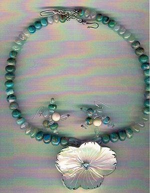 Peruvian AAA Blue Opals & Blue Aquamarine beads : Flower Power