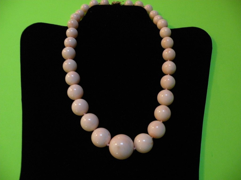 Hawaii 5-O (Peau d' Ange' - Angel Skin Coral) Enormous Beads