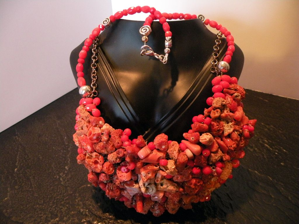 "Red/ Orange Rough Coral & Faceted Coral Bib Necklace 18"" 179 grams"
