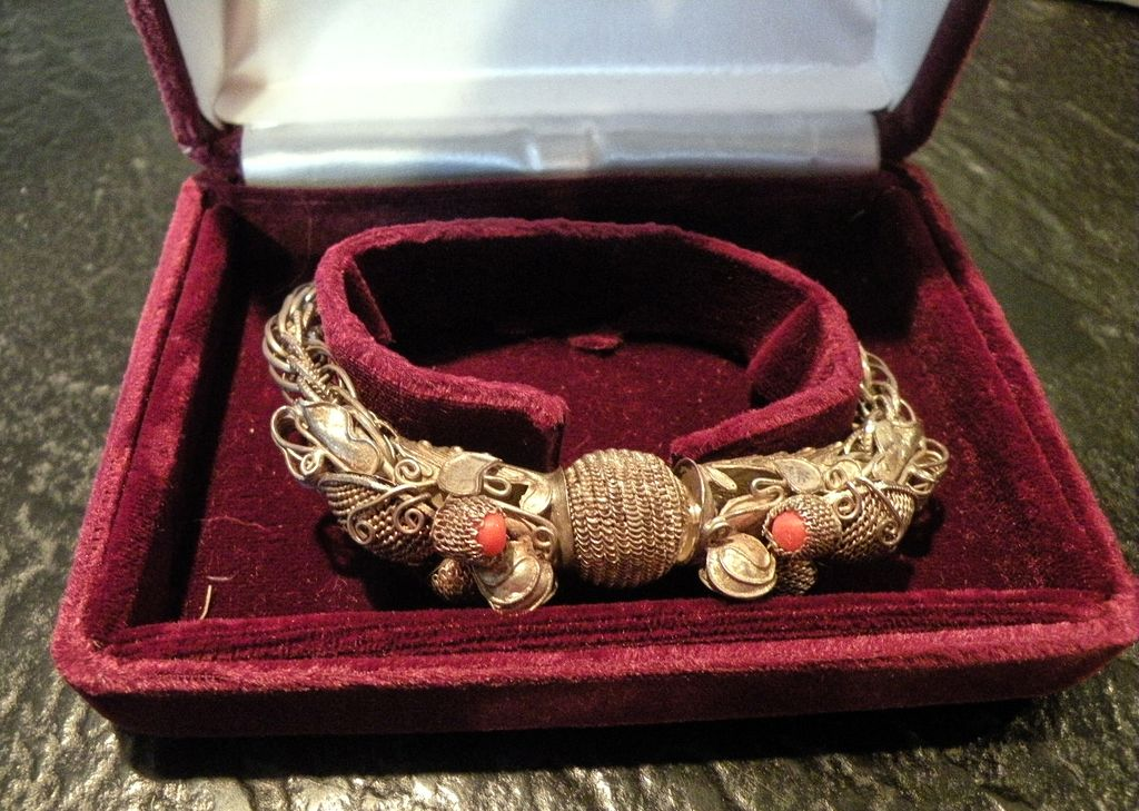 Vintage ( or Antique) Chinese Silver Dragon Bracelet 26 grams 6.5 inches