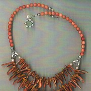 Spiny Oyster Shell Petal beads Coral beads : Petal Power