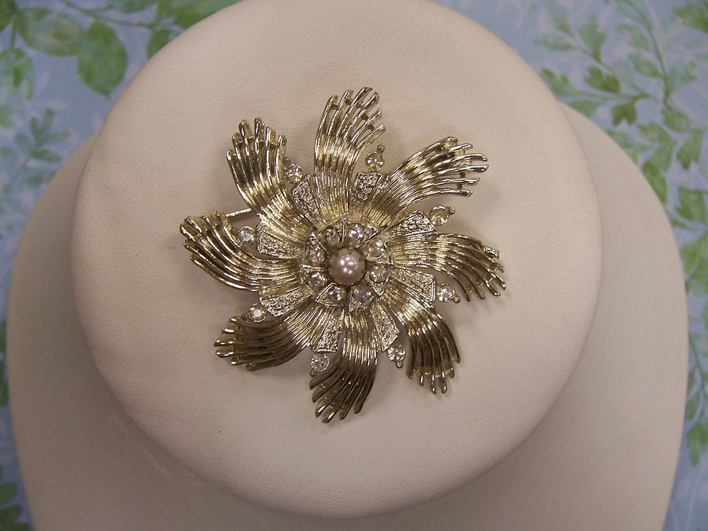 Vintage Cecil Chapman Faux Pearl and Rhinestone Brooch
