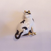 Enameled Cat Pin