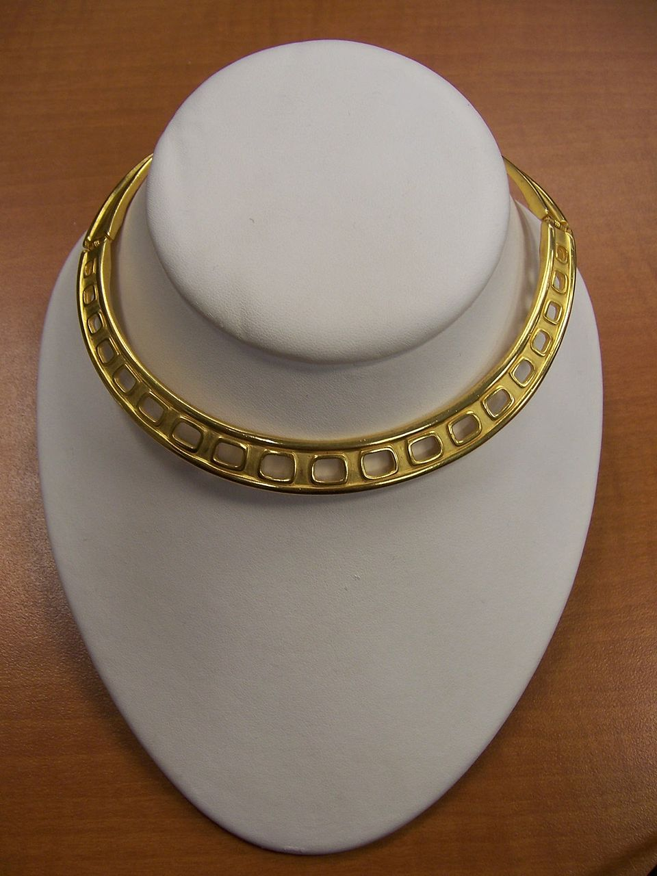 Givenchy NeckCuff in Gold Plate