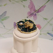 J.J. Enameled Frog on Lily Pad