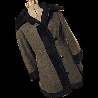 CUTE Vintage 1970's Valor Womens Wool Princess Coat Small Gray Black Faux Fu