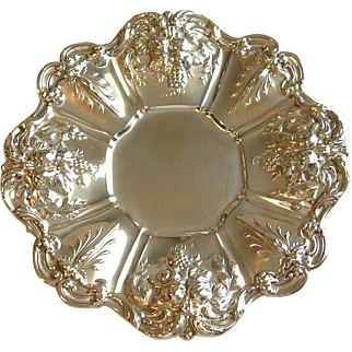 """Reed & Barton Sterling Silver Repousse Sandwich Plate Tray Francis I X569 11 1/2""""D"""