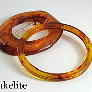 Vintage Bakelite Root Beer Bangle Bracelet and Brooch