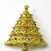 Vintage JJ Christmas Tree PIn Brooch