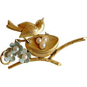 Sweet Signed CREED Gold filled 12K gold PEARL enameled flower Bird on Nest brooch pin