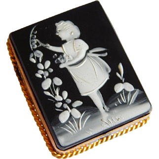 Gorgeous GOLD FILLED Black white carved Hard Stone CAMEO Scenic Antique brooch
