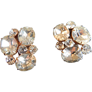 RARE Signed DOREL Crystal rhinestone pronged clip on earrings