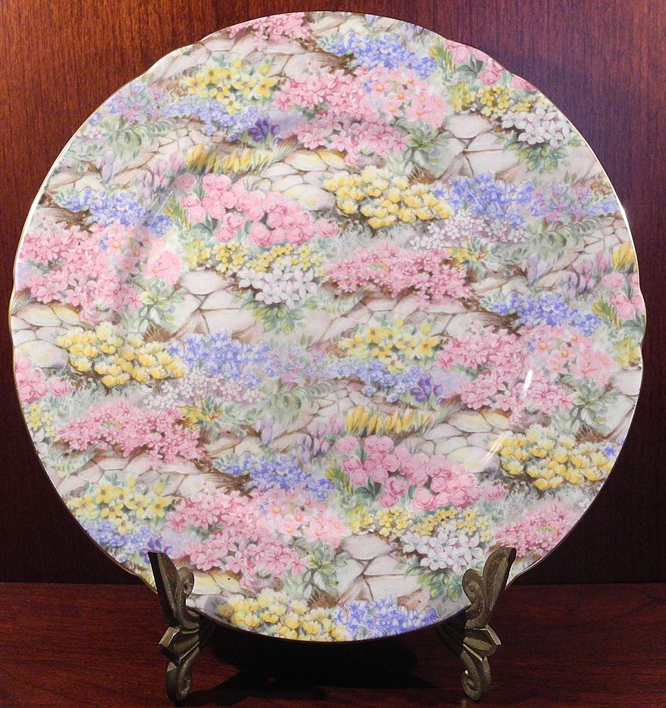 Shelley Rock Garden Chintz Bone China Luncheon Plate
