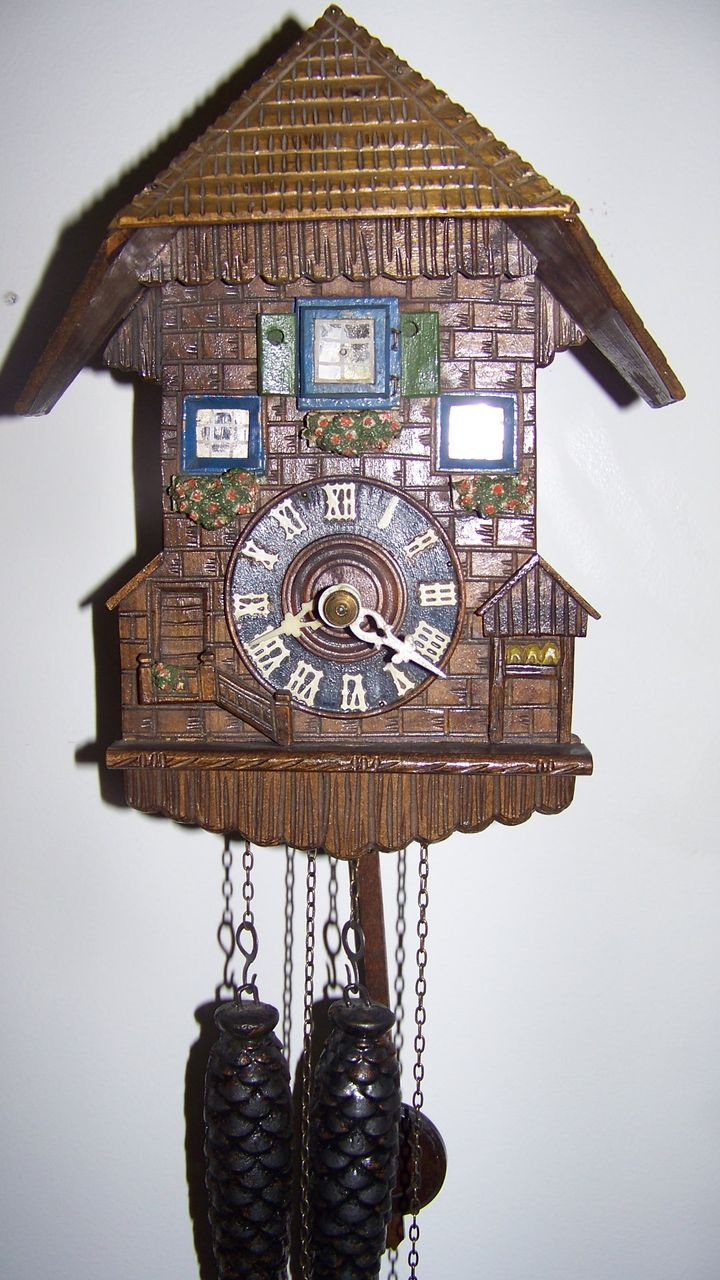 C 1920 Antique Small Chalet Style Black Forest Cuckoo