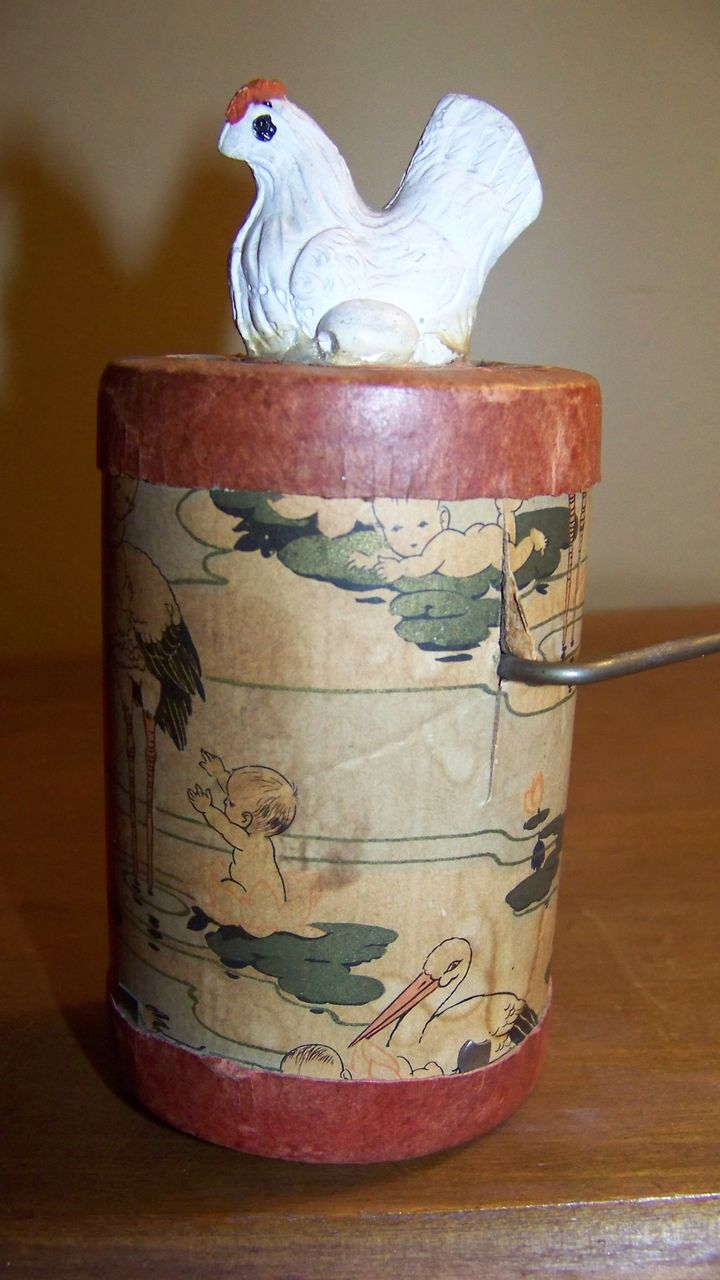 1930 Wind Up Cackling Hen Toy Composition