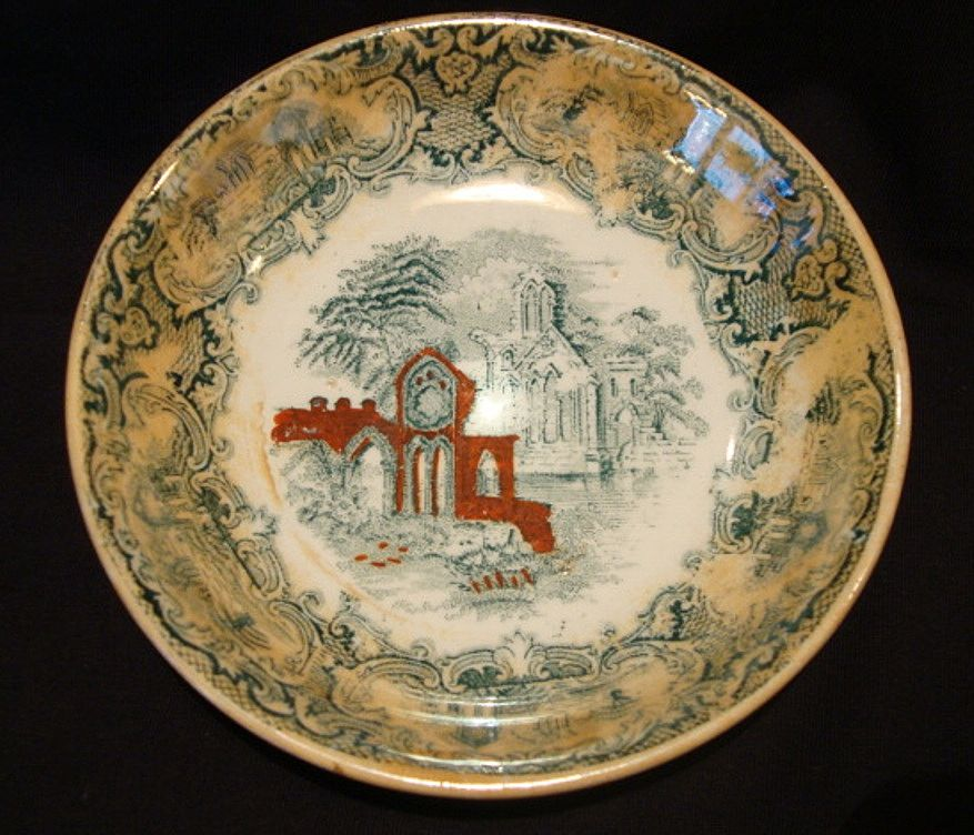 "Nice Finger or Berry Bowl Decorated with Green Transfer and a ""Abbey"" Church Scene ~ PETRUS REGOUT (Maastricht, Holland) 1914"