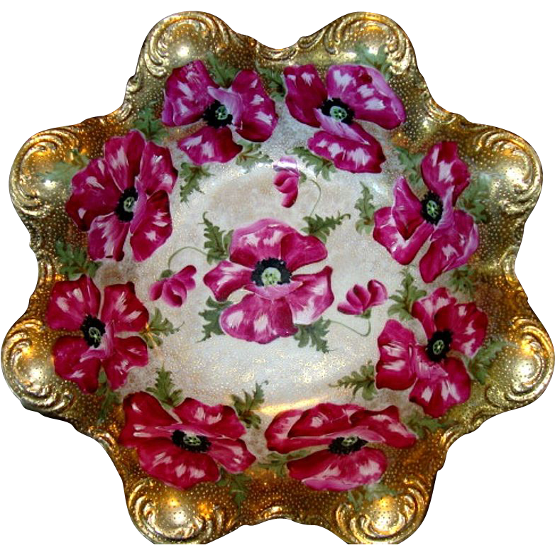 Unique Lobed Bowl with Gold Moriage and Hand Painted Magenta Poppies ~ ROYAL CROWN KINRAN - NIPPON (Japan) - ca 1890 - 1920