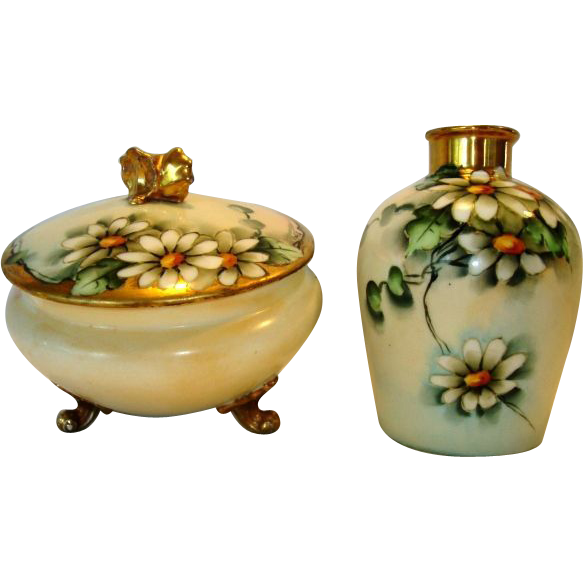 "Delightful Limoges Porcelain Dresser or Powder Jar with Matching Vase – Hand Painted with Beautiful Daisy Flowers – Signed by "" Mehle"" – GDA Limoges 1900-1941"