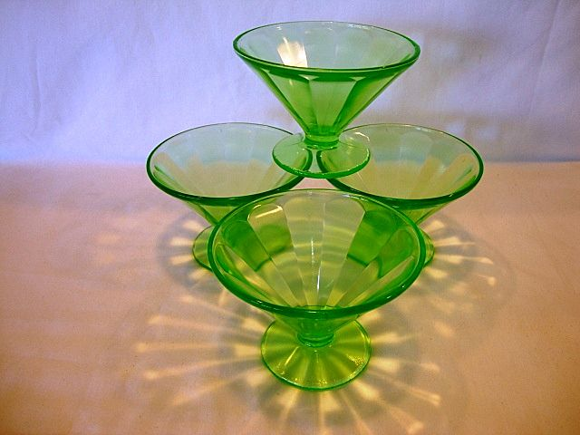 Set of 4 ~ Federal Glass Green Depression Sherbet Dish 1930's